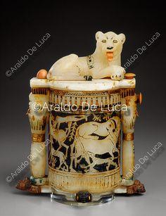 """""""© Araldo De Luca. Il coperchio, in foggia di leone sdraiato con lingua in avorio, è provvisto di un perno in avorio e si chiude legando i due pomelli, anch'essi in avorio. - Info: http://www.araldodeluca.com/root/archivio/scheda.asp?img=21930"""" ^**^ sathya sai baba, born sathya narayana raju ^**^"""