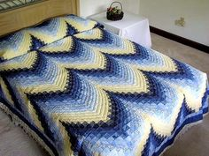 Bargello Quilt -- superb made with care Amish Quilts from Lancaster (hs1356)