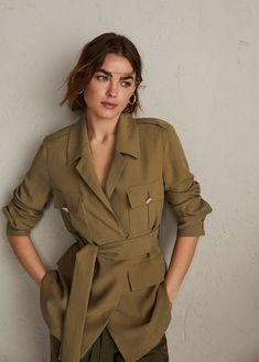 Discover the latest trends in Mango fashion, footwear and accessories. Moda Safari, Parka Outfit, Girl Fashion, Fashion Outfits, Womens Fashion, Safari Outfits, Moda Emo, Mango Fashion, Street Style