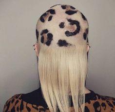 Необычные и причудливые причёски и стрижки (26 фото)