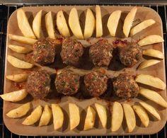 Rezept Fleischpflanzl / Frikadellen aus dem Backofen mit Ofenkartoffeln und Brokkoli mit Käsesoße Parmigiano von Schirmle - Rezept der Kategorie Hauptgerichte mit Fleisch