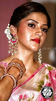 Indian Actress Hot Pics, South Indian Actress Hot, Bollywood Actress Hot Photos, Beautiful Girl Indian, Most Beautiful Indian Actress, Beautiful Actresses, Beauty Full Girl, Beauty Women, Katrina Kaif Bikini Photo