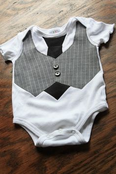 Vest Applique Onesie (Idea: Make the vest and tie flappable/movable.) Tutorial