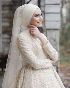 Hijabi Wedding, Wedding Hijab Styles, Muslim Wedding Dresses, Wedding Poses, Wedding Couples, Bridesmaid Dresses, Hijab Style Dress, Hijab Bride, Muslim Hijab