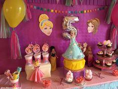 anniversaire princesses disney Sweet Table Decorations, 5th Birthday, Genre, Disney Princess, Princesses, Invitation, Princess Jasmine, Birthdays, Mom