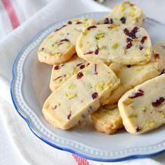 Pan de calabaza (auyama), se amasa con el puré de calabaza; se pincelan con miel al salir del horno para darle brillo y suavidad a la corteza