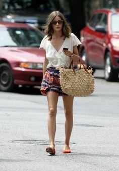 Es la hora de sacar del armario nuestros bolsos de #rafia. #style #fashion