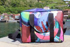 Stevige tas met ruime opbergmogelijkheden van gerecycled materiaal. Diaper Bag, Bags, Lifestyle, Butterfly Effect, Poster, Totes, Single Wide, Handbags, Diaper Bags