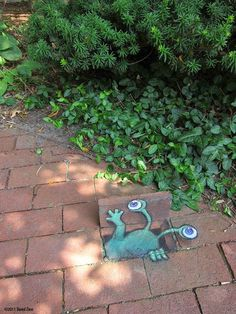 Chalk Street Art – 30 adorable creations by David Zinn graffiti *Graffiti graffiti By M-E-S-A art 3d Street Art, Street Art Artiste, Amazing Street Art, Street Art Graffiti, Street Mural, Graffiti Artists, David Zinn, Art Du Monde, 3d Chalk Art