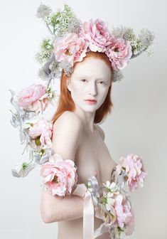 Louis Mariette - Designer Louis Mariette's latest creation is an imaginative escape from the dreaded cold of winter. This line of Louis Mariette headgear is full of. Louis Mariette, Floral Headdress, Foto Fashion, Fashion Hair, Floral Garland, Rose Garland, Arte Floral, Floral Fashion, Floral Crown