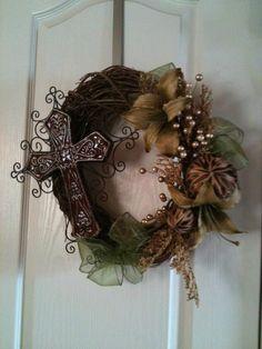 Cross+Wreath+by+YourFrontDoorandMore+on+Etsy,+$45.00