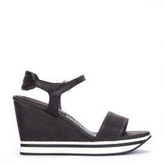 Cuñas deportivas Weekend by Pedro Miralles en piel color negro #shoes #ss16 #inspiration #shoeporn #sandals #sporty #zapatos #moda #calzado