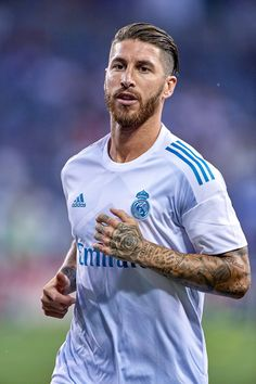 Ramos Real Madrid Kit, Ramos Real Madrid, Real Madrid Players, Rafael Nadal, Soccer Tattoos, Real Madrid Football Club, Basket Ball, Best Player, Lionel Messi