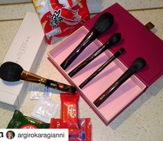 #Repost @argirokaragianni with @repostapp  What a great way to start the week . Japan haul from @fudejapan . #chikuhodo  holiday Violet set #yojiya eyeshadow A brush and #chikuhodo Miyabi  Love them all I can't wait to wash them and use them .....