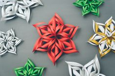 Easy WikiHow on paper cutting snowflakes/stars/flowers (kirigami) (Diy Paper Snowflakes) 3d Paper Snowflakes, Paper Stars, Snowflake Craft, Snowflake Designs, Holiday Crafts, Fun Crafts, Diy Paper, Paper Crafts, Paper Glue