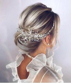 Wedding Hair Clips, Wedding Hair Pieces, Headpiece Wedding, Chignon Wedding, Bridal Headpieces, Dress Wedding, Wedding Hair Blonde, Wedding Hair With Veil, Bridal Updo With Veil
