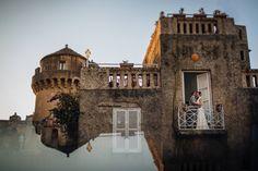 Bride and Groom on the balcony, wedding photoshoot, tower, wedding day, Cilento coast, Sposa Mediterranea, Olga studio