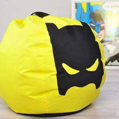 Żółty puf z superbohaterem. Dodatek idealny dla fana komiksowych postaci z nadprzyrodzonymi mocami 💪