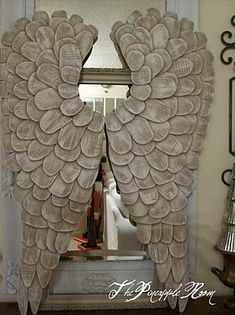 •❈• The Pineapple Room: Angel Wings  Great tutorial on how she did this.  Amazing!