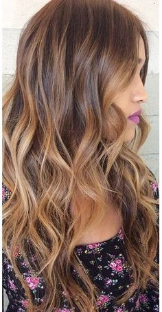BEFORE/AFTER PHOTOS: the new salon trend is the Sombre ( soft ombré ) hair color combined with the Balayage hair color technique. Brown Hair With Caramel Highlights, Brunette Highlights, Caramel Hair, Hair Color Highlights, Balayage Highlights, Caramel Ombre, Bronde Hair, Balayage Hair Blonde, Brunette Hair