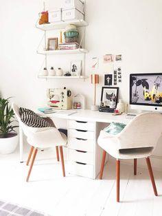 Inspirational Home Office Design & Decoration Ideas - For Creative . Home Decor home office decor ideas Design Your Home, Home Office Design, Home Office Decor, Office Desk, Home Decor, Office Designs, Gold Office, Bureau Design, Workspace Design