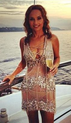 : Giada De Laurentiis Filming Giada In Paradise Ok. She looks good. But my babe would look so much better in that. Giada De Laurentiis, Monaco, Giada At Home, Celebs, Celebrities, Sexy Curves, Celebrity Dresses, Food Network Recipes, Beautiful People