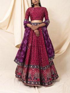 Indian Dress Up, Indian Fashion Dresses, Indian Designer Outfits, Designer Dresses, Indian Wedding Outfits, Bridal Outfits, Indian Outfits, Lehenga Saree Design, Lehenga Choli