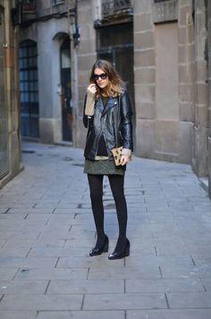 Falda / Skirt: Zara . Jersey / Jumper: Topshop . Bolso / Bag: Zara . Cazadora / Leather jacket: Zara . Gafas / Sunnies: Italia Independent