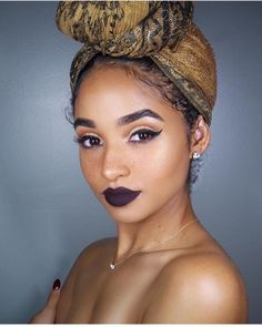 Freckles headwraps and bold lips! Yes please 😩😍 Certified 👑 : : : : : : : - Cabello Rubio Flawless Makeup, Beauty Makeup, Hair Makeup, Hair Beauty, Hair Day, My Hair, Natural Hair Care, Natural Hair Styles, Natu Hair