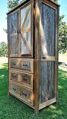 simple diy pallet project home decor ideas pallet diy pa Barn Wood Projects, Diy Pallet Projects, Pallet Ideas, House Projects, Bedroom Furniture Design, Pallet Furniture, Kitchen Furniture, Pallet Couch, Furniture Showroom