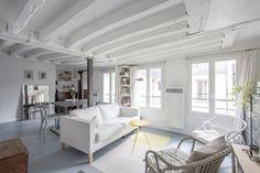 Paris : Esprit loft sur cour avec poutres apparentes