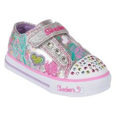 We try to buy age appropriate shoes. Such as these light up Sketchers for primary students Cute Girl Shoes, Girls Shoes, Baby Shoes, Little Girl Fashion, Kids Fashion, Back To School Shoes, Sketchers Shoes, Light Up Shoes, Me Too Shoes