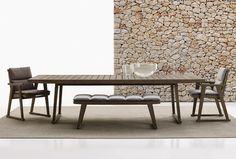 Cadeira estofada para jardim com braços Coleção Gio by B&B Italia Outdoor, a brand of B&B Italia Spa design Antonio Citterio