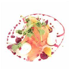 Londen // The Melody Restaurant Starters, Restaurant, Ethnic Recipes, Food, Diner Restaurant, Essen, Meals, Restaurants, Yemek
