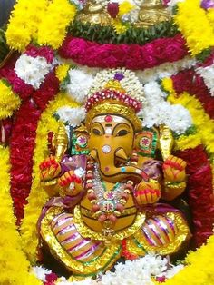 Ganesh Chaturthi is one of the most popular and widely celebrated festivals of India. The festival celebrates the birth of the popular Hindu God Ganesh. Jai Ganesh, Shree Ganesh, Lord Ganesha, Ganesh Statue, All God Images, Rare Images, Happy Ganesh Chaturthi Images, Ganesh Wallpaper, Krishna Leela