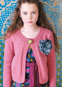 Trendy girls' cardigan; Free knitting pattern