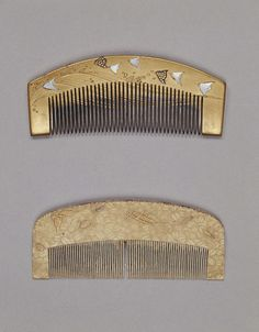 Comb with Designs of Waves and Plowers in Makie, Edo Period, 19th c, Kyoto National Museum