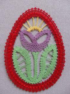 Velikonoční vajíčko Needle Lace, Bobbin Lace, Lacemaking, Lace Heart, Lace Jewelry, Plastic Canvas, Lace Detail, Easter Eggs, Arts And Crafts