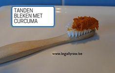 Je tanden wit maken met curcuma is absoluut veilig en bovendien goedkoop. http://legallyraw.be/tanden-bleken-met-curcuma/