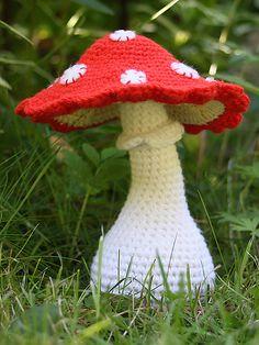 free crochet toadstool applique pattern
