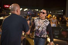 """DYARMY_RD : Durante la filmación del video """"LA ROMPE CARROS""""  @daddy_yankee  #FotosDY http://t.co/6JsHDDfO2B 