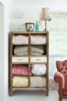 linen dresser