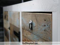 Sloophout dressoir met lades! #reclaimed #wood #sloophout #interieur #wooninspiratie #dressoir #woonkamer #kast