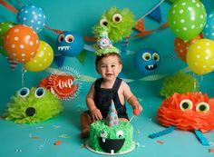 Monster First Birthday, Spongebob Birthday Party, Boys First Birthday Party Ideas, Monster 1st Birthdays, 1st Birthday Themes, Monster Birthday Parties, Halloween Birthday, Baby First Birthday, Monster Party
