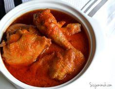 Nigerian Chicken Stew is a Nigerian Style Stewed Chicken recipe. It is a very popular fried Tomato/Pepper base stew recipe. Nigerian Chicken Stew Recipe, Stew Chicken Recipe, Stewed Chicken, Chicken Recipes, African Stew, West African Food, Nigerian Food, Nigerian Stew, Beef Steak Recipes