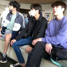 He's so fucking thin Hyun Kim, Kim Jongin, Kim Min Seok, Exo Kai, Exo Chanyeol, Kyungsoo, Exo Songs, Exo Couple, Exo Group