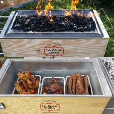 Roasts up to a 100 lbs Pig, 16-18 whole Chickens, 4-6 Turkeys, 8-10 slabs of Pork Ribs, 8-10 Pork Shoulders or any other type of meat or fish. Roasting Box measures 48 x 25 x 24 inches. Please allow 2-3 weeks for shipping.