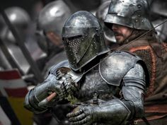 Han, I like the feel of this armor. Old and battle worn. Medieval Weapons, Medieval Knight, Medieval Fantasy, Armadura Medieval, Caballero Andante, Vikings, Templer, Landsknecht, Knight Armor