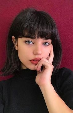 Long bob with bangs super short bob hairstyles with bangs Bob Hairstyles With Bangs, Fringe Hairstyles, Short Hairstyles For Women, Black Hairstyles, Bob Haircuts, Short Hair With Bangs For Round Faces, Girls With Short Hair, How To Cut Bangs, Woman Hairstyles