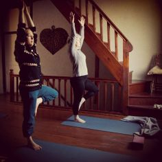 #treepose #sivanandayoga #yogaroom #dailypractice #yogaholiday #yoga #littlfrenchretreat #yogainfrance #balance
